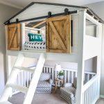 Idées de design de chambre à coucher avec porte de grange - Décorations d'intérieur