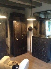 mobilier industriel et transformation de vestiaires armoires metalliques et deco…