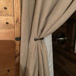 Rideau papillon au dos | Panneau de rideau retenues, traitement de fenêtre en fer forgé à la main | De style fin boule, une paire