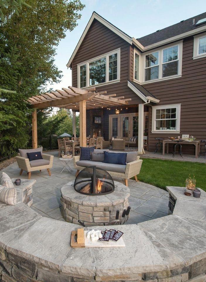 28 idées de design de patio en pierre pour votre petite cour 10