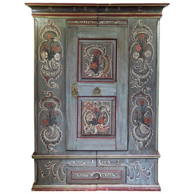 1stdibs Armoire / penderie – Antique Armoire de mariage peinte du 18ème siècle / / Armoirea Dutch Colonial Pine