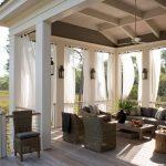 31 idées élégantes de rideaux extérieurs pour pimenter votre espace extérieur
