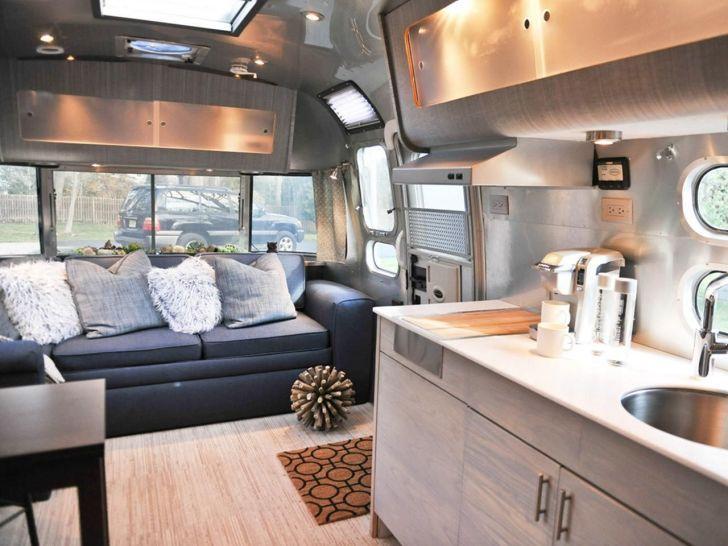 33 idées intérieures de RV luxueuses pour une vie de vacances en plein air confortable