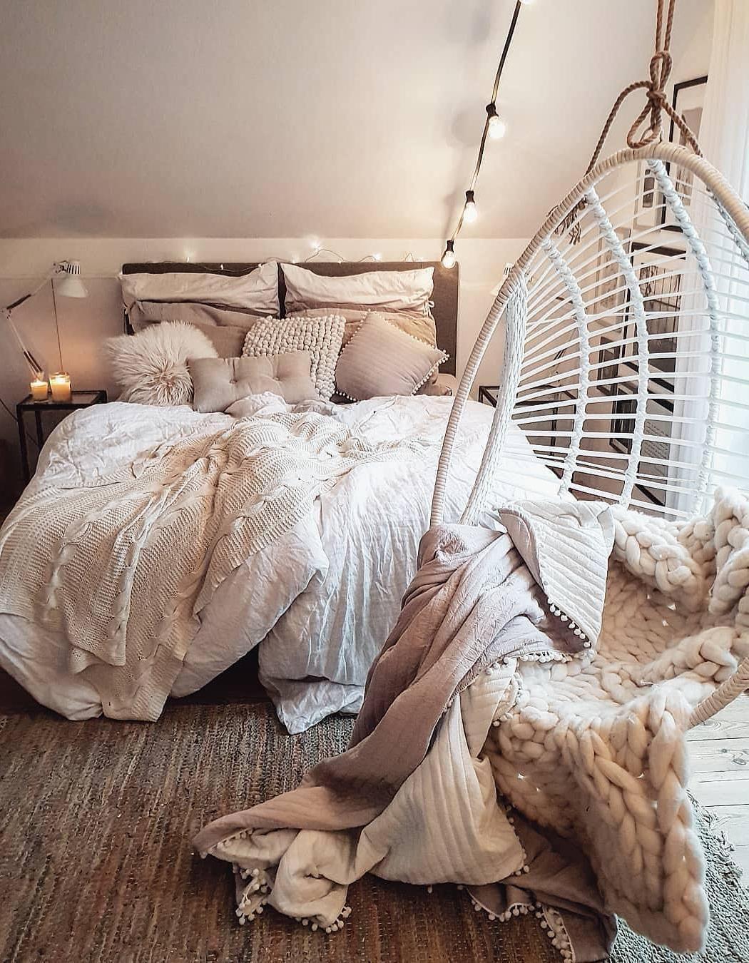 52 idées de décoration de chambre à coucher chaleureuses et romantiques