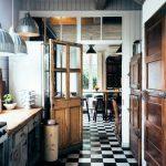 Ancienne cuisine pour un intérieur chaleureux et convivial