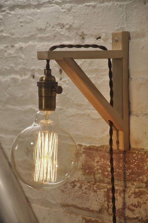 Applique en bois – Applique murale enfichable – Applique – Lampe en laiton antique – Éclairage rustique – Décor de ferme – Lampes suspendues