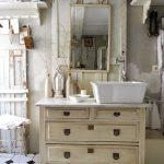Armoire de toilette vintage avec lavabo intégré