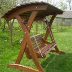 Balancez Garden. Gazebos balançoires en bois, balançoires, ... # meubles de jardin #p ...