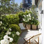 Balcon fleurs blanches