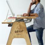Bureau debout pour le bien-être au travail - Flipboard Premium // Standing desk...