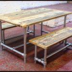 CLEMENTINE - France Table à manger en bois récupérée et bancs Bar Restaurant Cafe Coffee Shop Industrial Modern Loft Style Decor Meubles Sièges