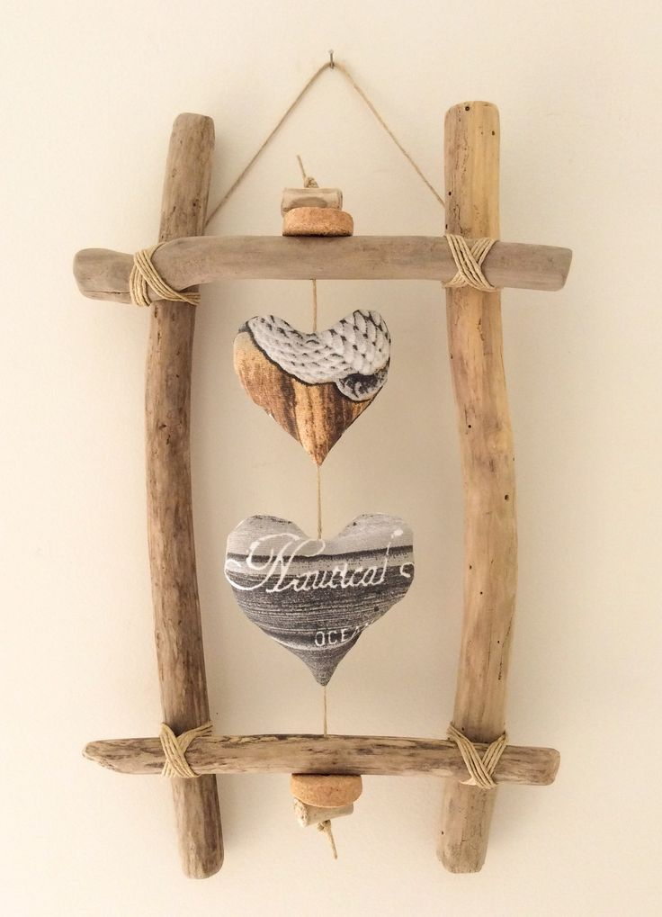 Cadre en bois flotté et cœurs par l'Atelier de Corinne : Décorations murales …