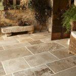 Carreaux de terrasse en pierre naturelle - Types de pierre appropriés, avantages et inconvénients