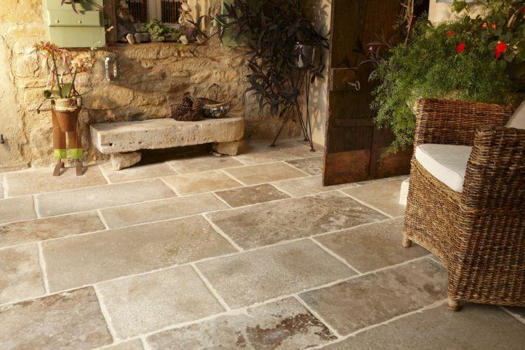 Carreaux de terrasse en pierre naturelle – Types de pierre appropriés, avantages et inconvénients