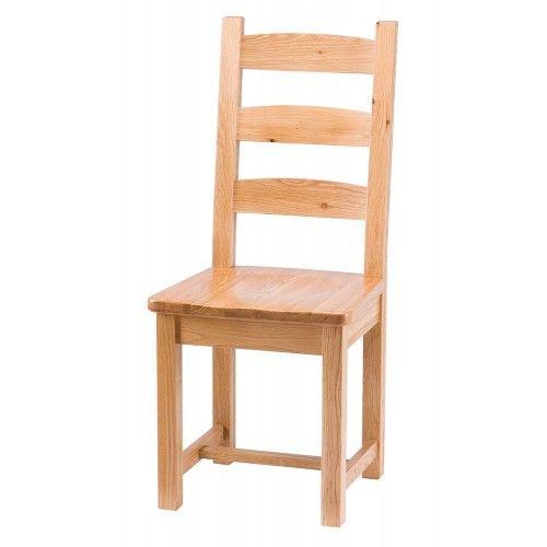 Chaise de salle à manger en chêne massif à lattes horizontales.  Meubles trad…