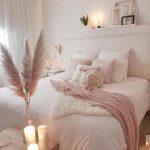 Chambre confortable; idées de chambre rose; douillette adolescente ... - Claire C.