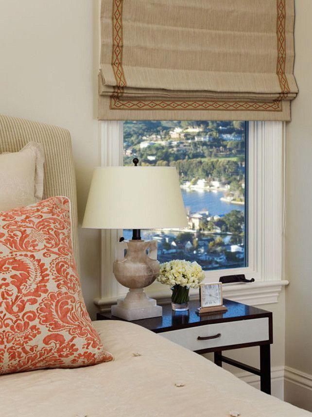 Chambre. Décor de la chambre. Traitement de fenêtre de chambre à coucher. Idées de lit chambr…