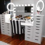 Coiffeuse noire IKEA - Coiffeuse noire IKEA - Voici quelques photos d'idées de conception pour la conception de meubles de votre maison liées au coiffeuse noire d'IKEA. ... # Table basse - Idées de design d'intérieur