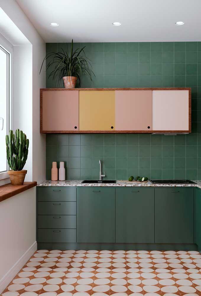 Dans cette cuisine, Xique Xique a trouvé l'endroit idéal: le rebord de la fenêtre