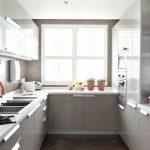 Des cuisines modulaires de conception internationale en Inde.Parcourir une cuisine modulaire parallèle ...