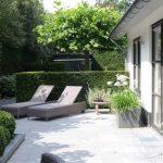 Design de jardin moderne avec chaises longues # design de jardin # chaises arrière #modern #terracedesign