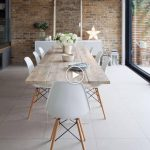 Ensemble de quatre chaises blanches pour salle à manger - #one #lounge #feeding #chairset ...