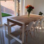 Ensemble de repas à la main - table en acier et bois avec bancs
