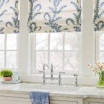 Faux plat cantonnière romaine | Bleu + blanc | Vera Bradley Intérieurs | Style plus court ourlet | Lacefiel