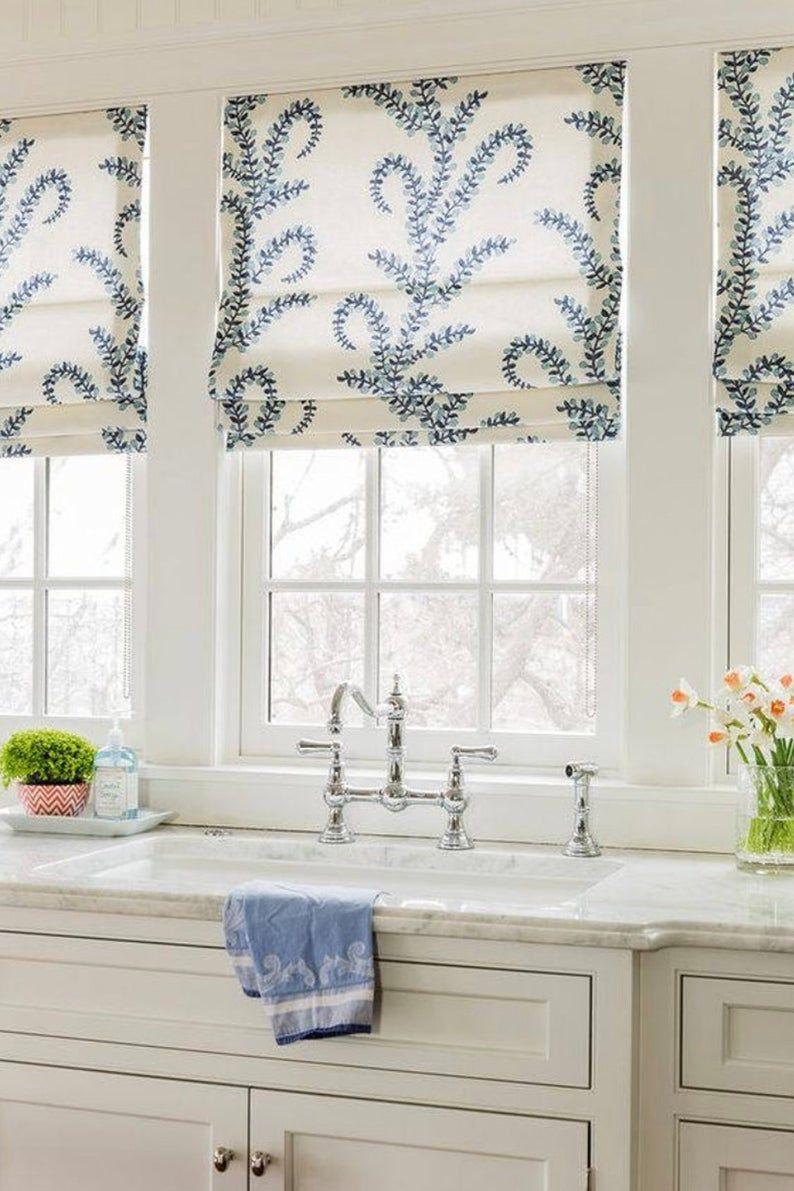 Faux plat cantonnière romaine   Bleu + blanc   Vera Bradley Intérieurs   Style plus court ourlet   Lacefiel