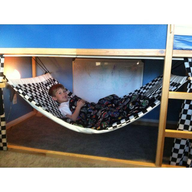 Hamac superposé fabriqué avec un lit superposé Ikea et une tente que tout enfant adore! – chambre d'enfant ideas4.tk | Idées de pépinière