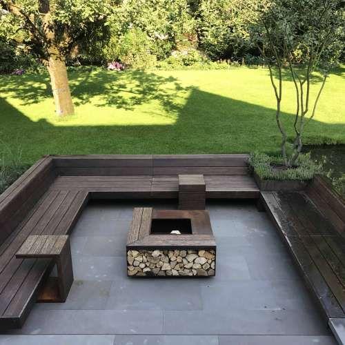 Idée de terrasse de jardin moderne avec coin salon individuel | image