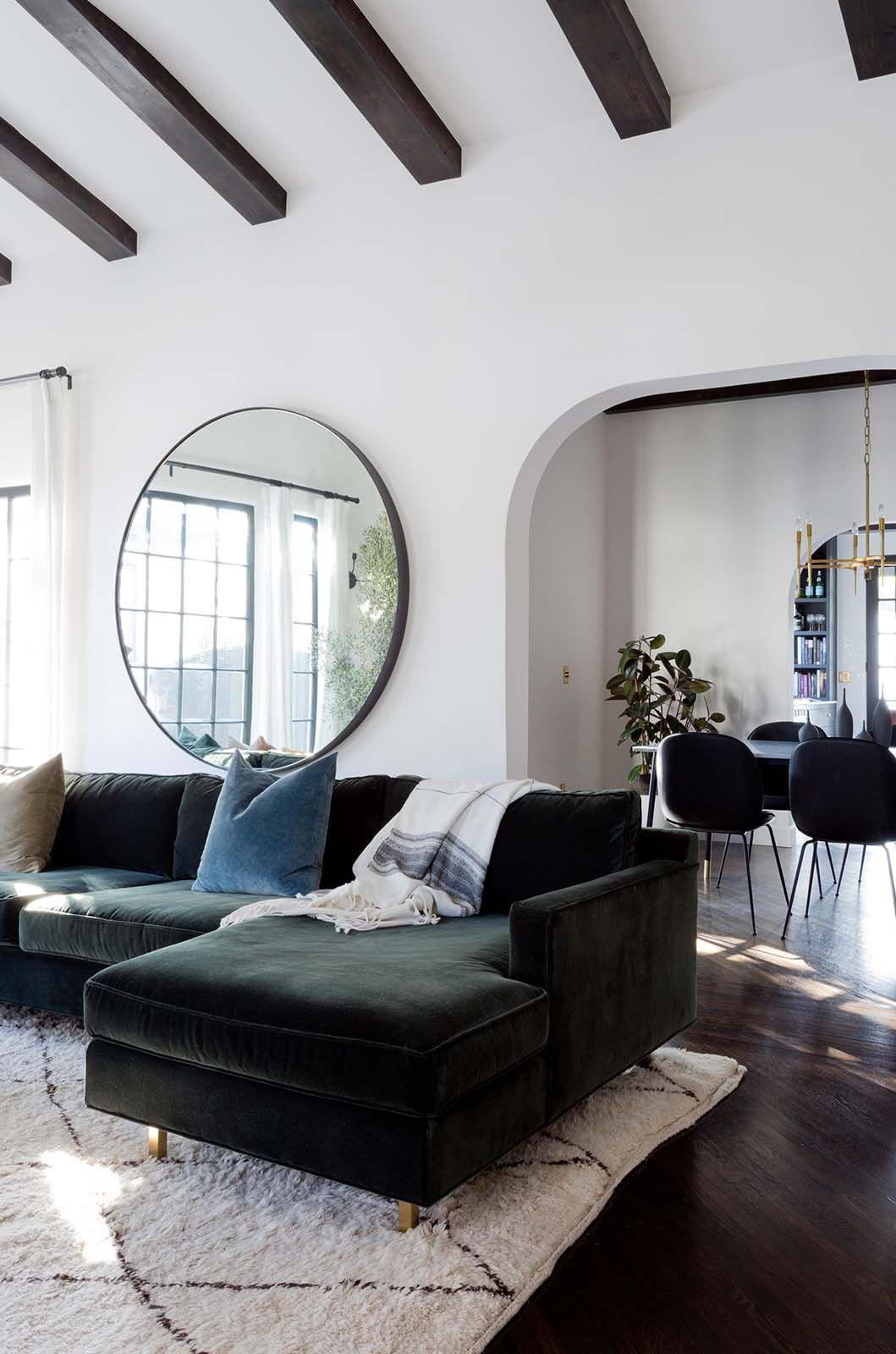 Invitant maison de style espagnol rafraîchi dans le sud de la Californie