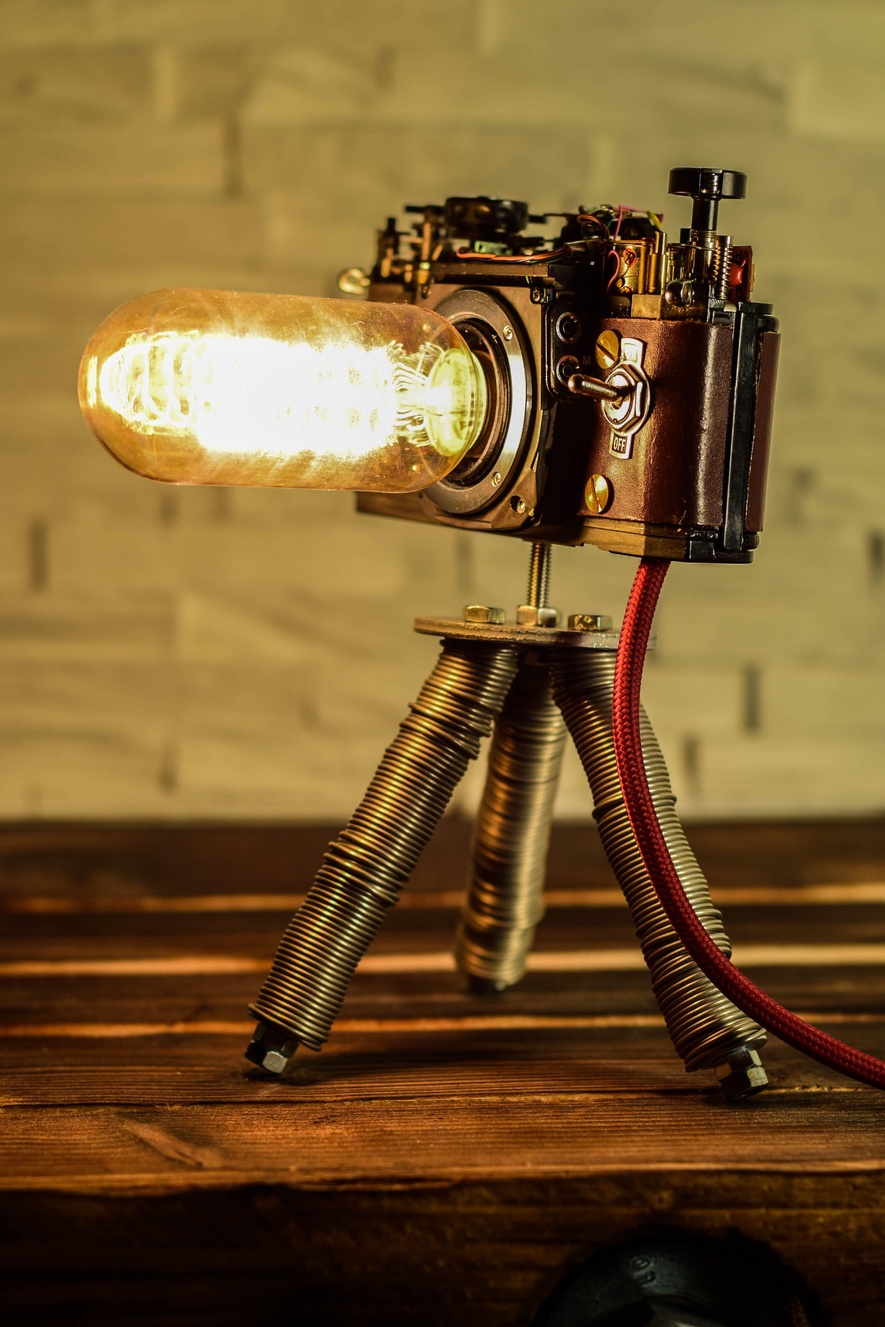 LAMPE APPAREIL PHOTO – Steampunk Celles-ci et d'autres lampes d'appareil photo que j'ai avec amour …