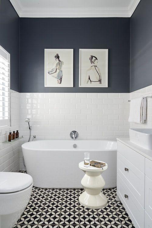 La moitié du mur bleu en bas était un porte-serviette est le reste du mur complet bleu rachelsanchez – mon blog