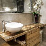 Lavabo en bois ancien. Écologique, moderne et élégant.