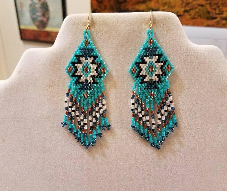 Le Style amérindien perlé boucles d'oreilles tapis noir, Turquoise, blanc, cuivre Boho, du Su…