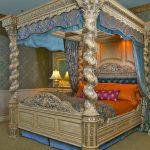 Le lit à baldaquin Renaissance Ultra King