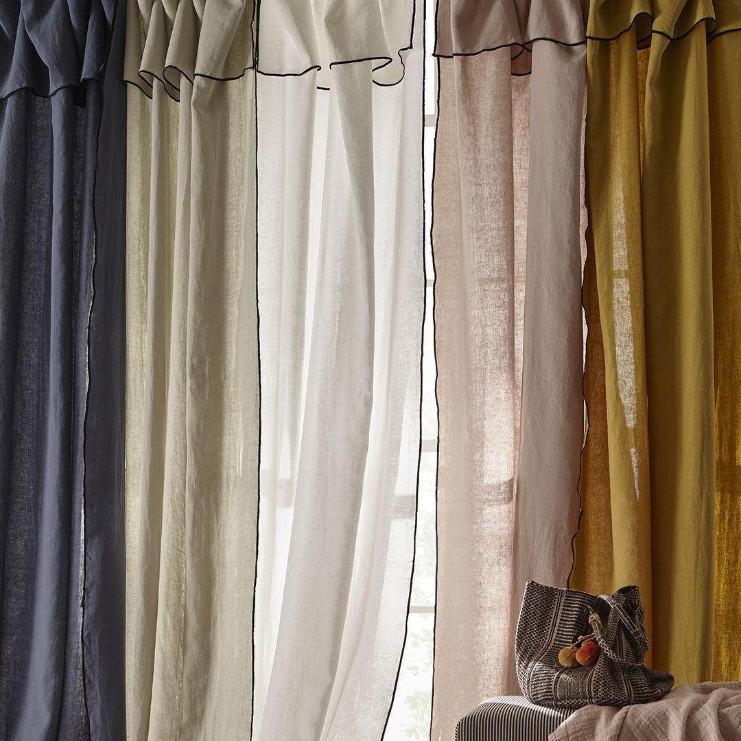 Les rideaux en lin lavé sont un incontournable pour annoncer l'arrivée des bea…