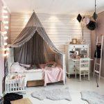 Lit à baldaquin - créez un décor de chambre de rêve