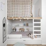 Lits mezzanines pour la chambre des enfants