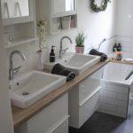 Makeover salle de bain en armoire de toilette Ikea grise et blanche