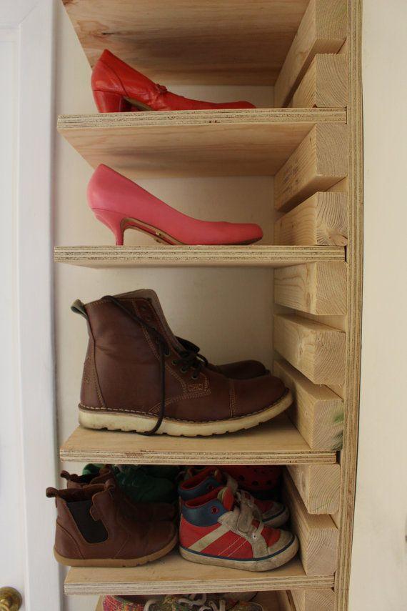 Meuble à chaussures ajustable en bois Fabriqué sur commande pour 10 étagères et 22 …