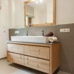 Meuble de salle de bain en vieux bois d'épicéa