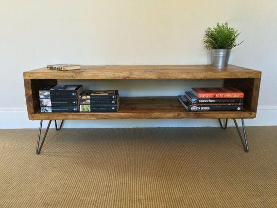Meuble de télévision en bois rustique   Table de salon   Table d'appoint en planches d'échafaudage récupérées sur des pattes en épingle à cheveux – Industriel Urbain