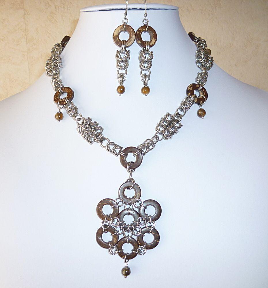 """Parure """"Princesse tribale"""" en acier, bois de coco et oeil de tigre/Jewelry ornam…"""