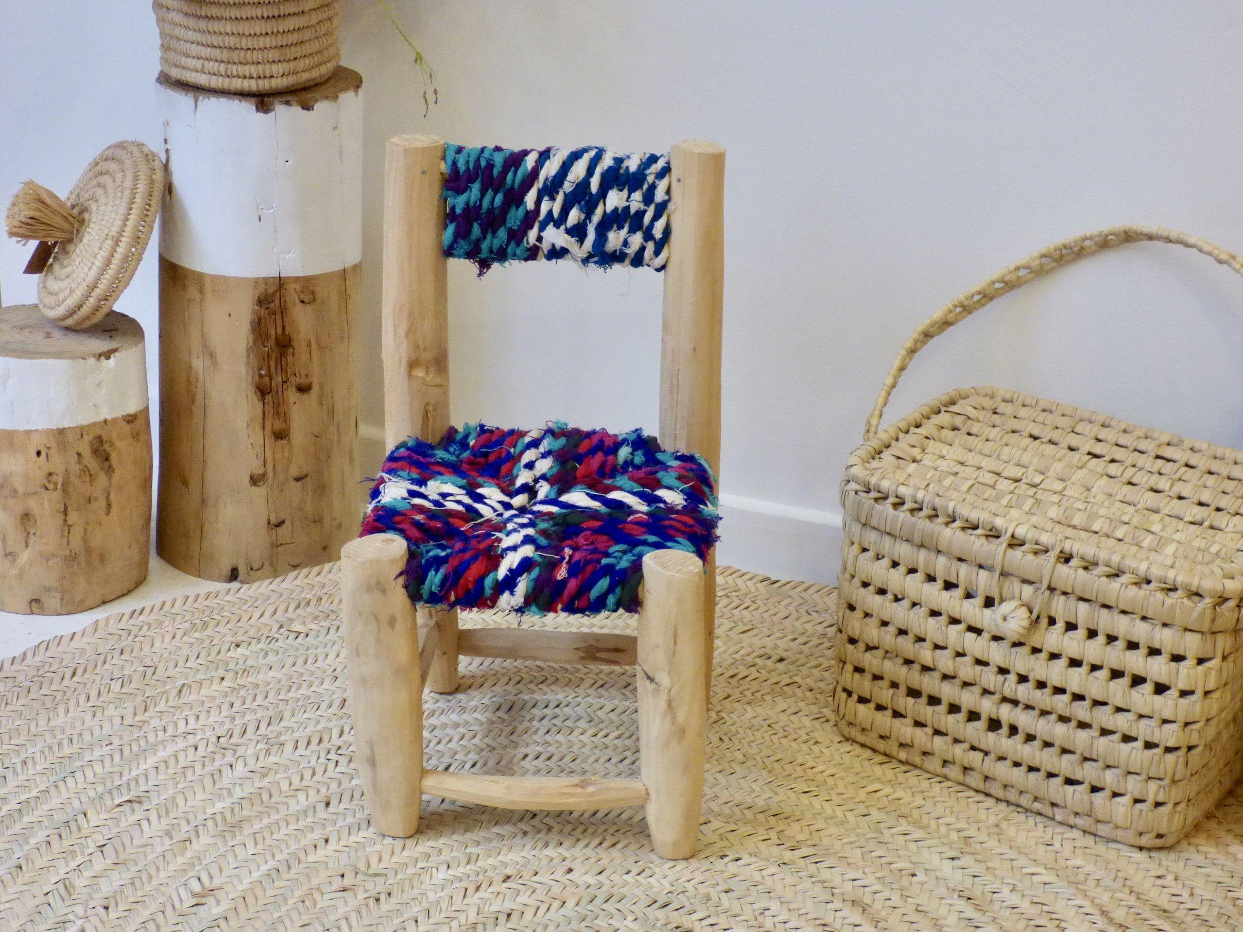 Petite chaise bouchérouite marocaine