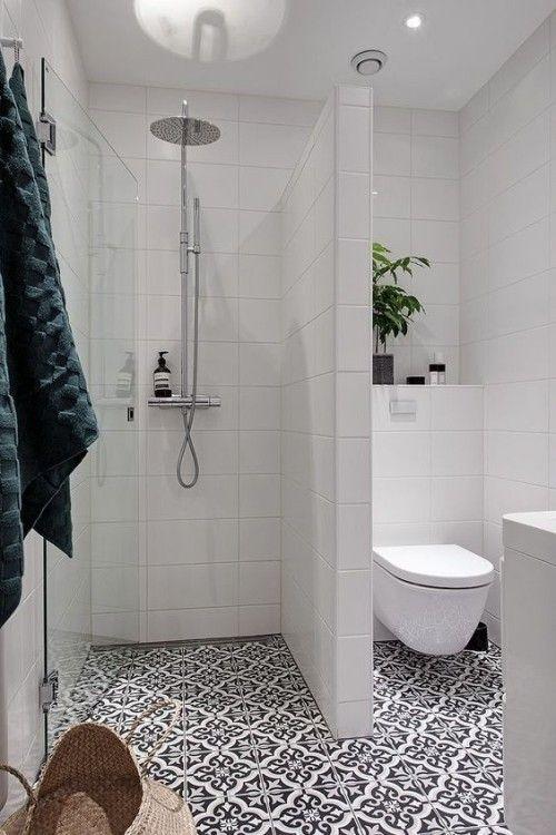 Petite salle de bains – astuces astucieuses qui donnent à la salle de bain un aspect plus grand