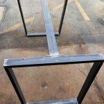 Pieds en trapèze en acier avec 1 corset, modèle # TTT07B1, table à manger industrielle, ensemble de 2 pieds et 1 corset