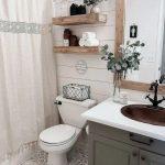Plus de 30 idées de salle de bains rustiques pour la maison 24