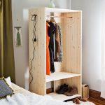 Rangements DIY : 14 idées pour fabriquer un portant à vêtements